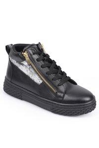 Marta sneakers